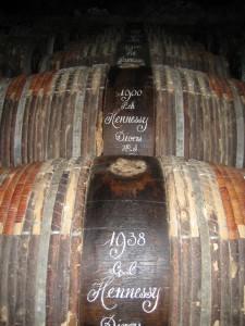 Alte Hennessy Fässer