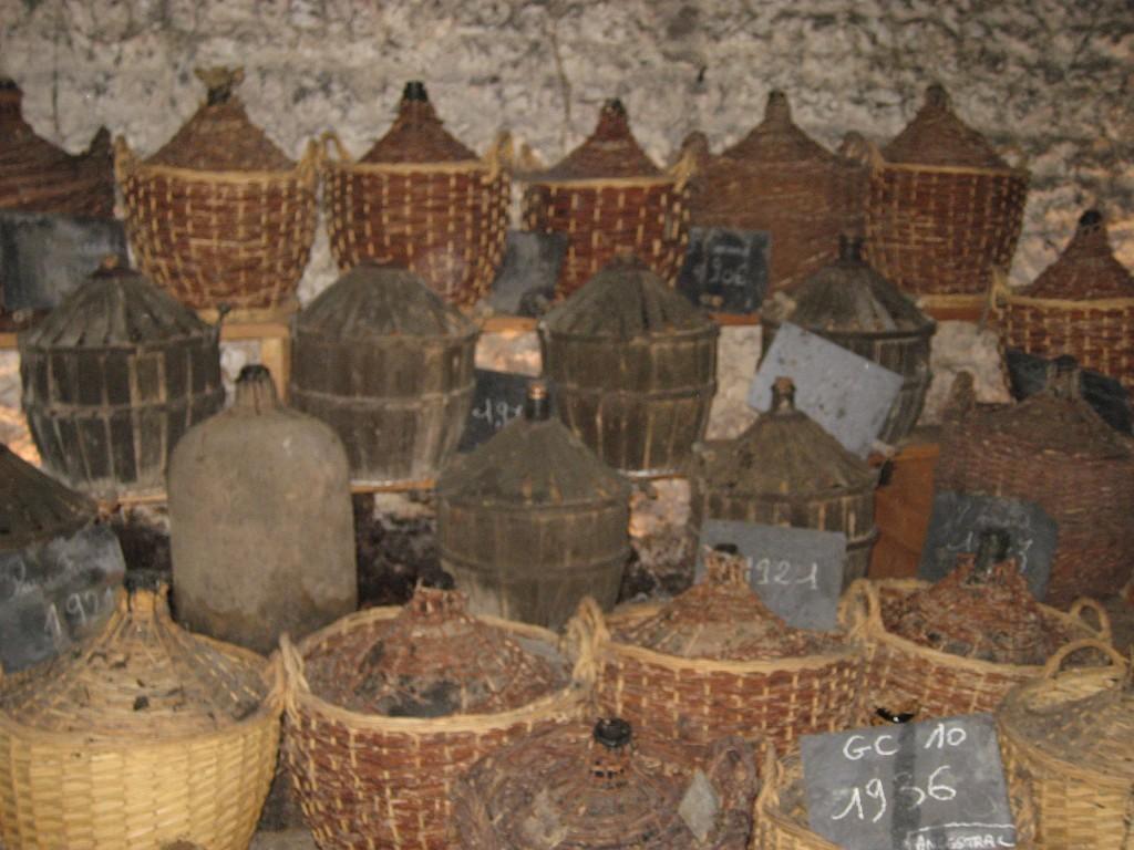 Die Demijohns von Cognac Ferrand