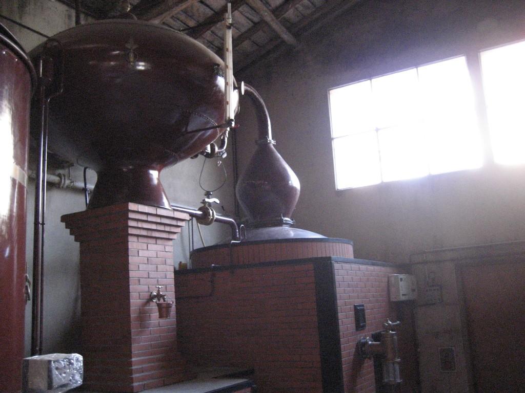In genau dieser CharentaiserBrennblase wird der Citadelle Gin hergestellt
