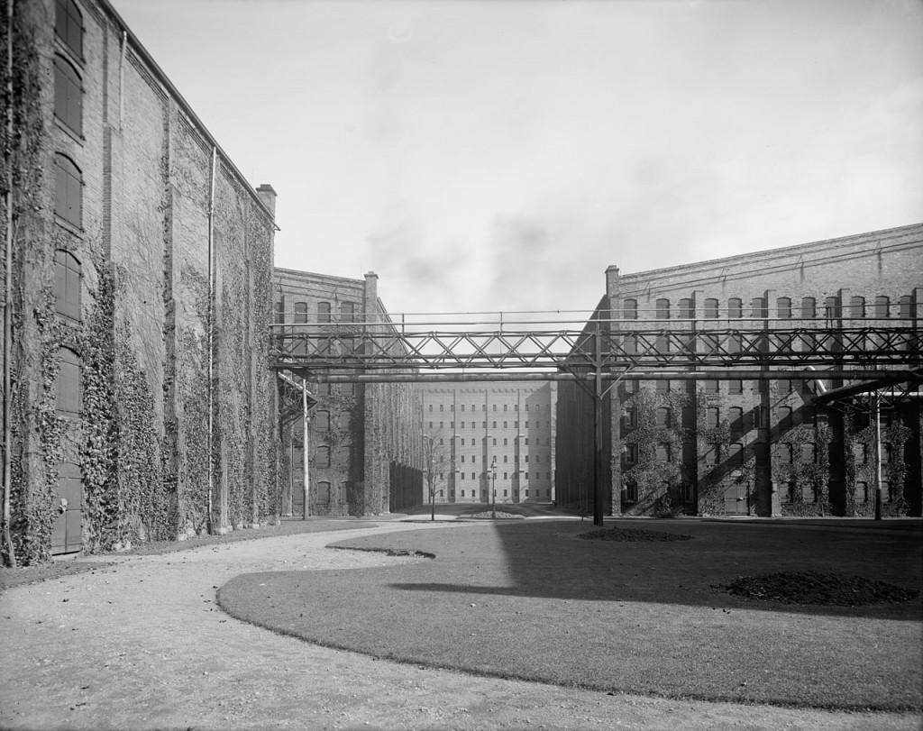 Hiram Walker Destillerie, ca. 1910.